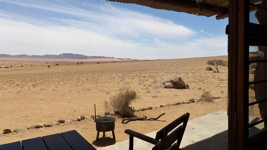 """Photo msiafricaroadtrip.com  Vue de notre chalet au Lodge """"Klein Aus Vista"""" à AUS en Namibie -2017-"""
