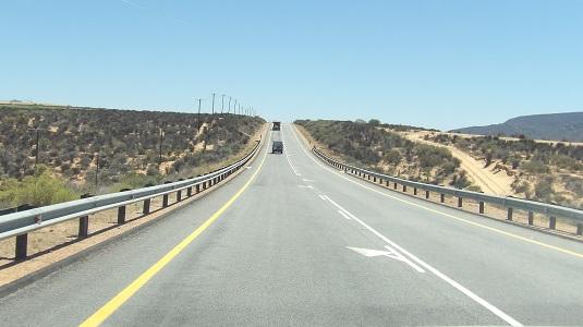 Photo msiafricaroadtrip.com  route R360 MENANT au KTP Kalahari Afrique du Sud
