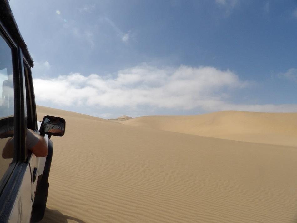 photo msiafricaroadtrip.com dans les dunes de Sandwich Harbour Namibie