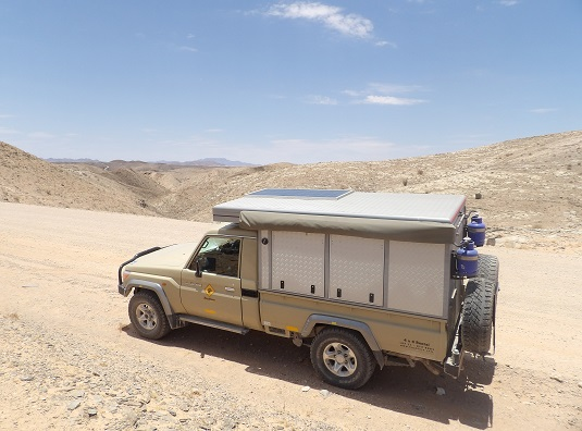 photo :  msiafricaroadtrip.com notre 4x4 au Kuiseb Pass Namibie