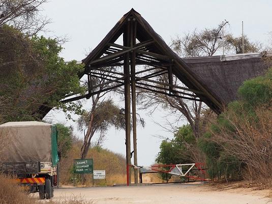 entrée du parc Chobe forest Botswana