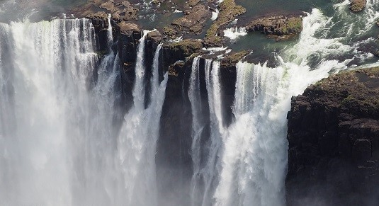 photo msiafricaroadtrip.com les chutes Victoria coté Zimbabwe.