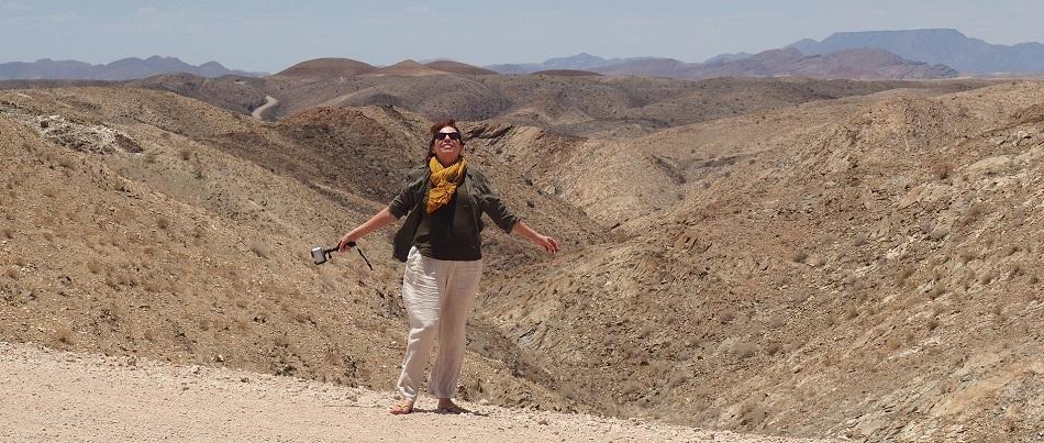 photo :  msiafricaroadtrip.com Msi en arrière plan Kuibseb canyon Namibie