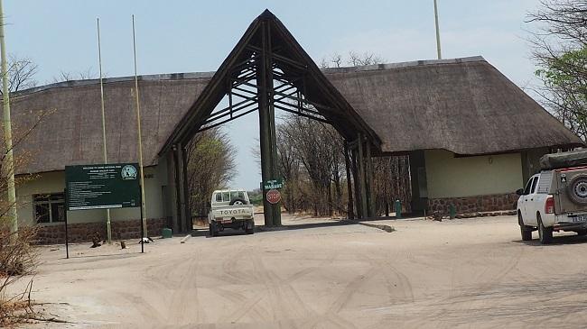 Mababe Gate → Savuti piste Sandridge Botswana